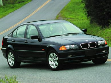 3/4 Front Glamour 2001 BMW 325