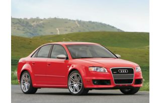 3/4 Front Glamour 2007 Audi RS 4
