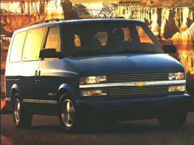 3/4 Front Glamour 1996 Chevrolet Astro