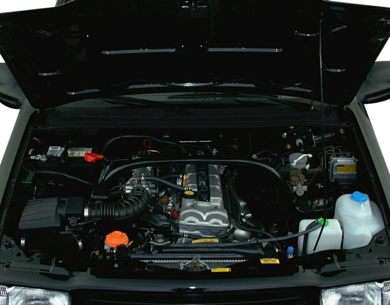 Engine Bay  2000 Chevrolet Tracker