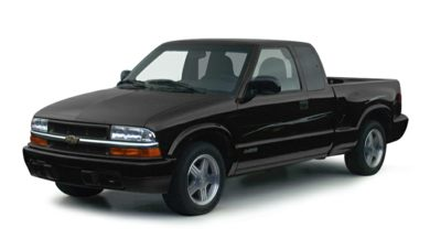 3/4 Front Glamour 2000 Chevrolet S-10