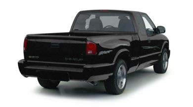 3/4 Rear Glamour  2000 Chevrolet S-10