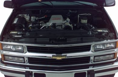 Engine Bay  2000 Chevrolet K3500