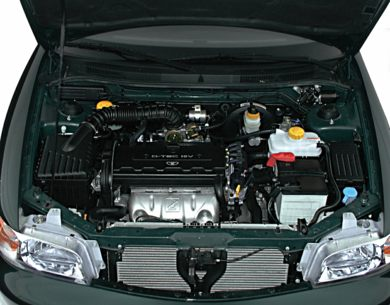 Engine Bay  2000 Daewoo Nubira