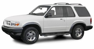 3/4 Front Glamour 2000 Ford Explorer