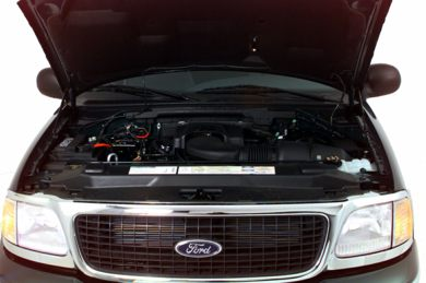 Engine Bay  2000 Ford Expedition