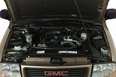 Engine Bay  2000 GMC Sonoma