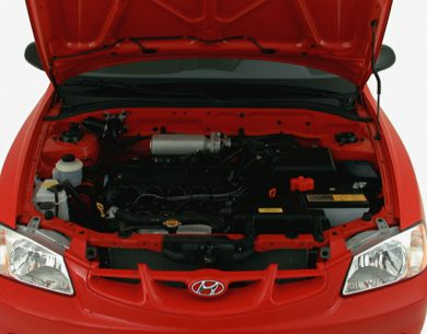 Engine Bay  2000 Hyundai Accent