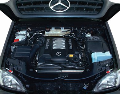 Engine Bay  2000 Mercedes-Benz ML430
