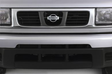 Grille  2000 Nissan Frontier