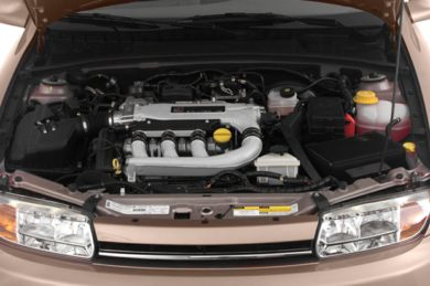 Engine Bay  2000 Saturn LW2