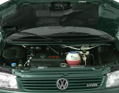 Engine Bay  2000 Volkswagen EuroVan