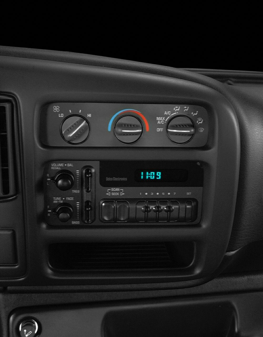 Center Stack  2001 Chevrolet Express