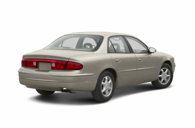 3/4 Rear Glamour  2002 Buick Regal