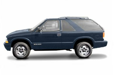90 Degree Profile 2002 Chevrolet Blazer