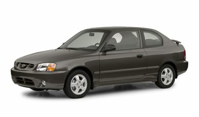 3/4 Front Glamour 2002 Hyundai Accent