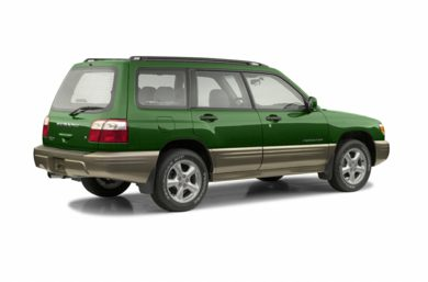 3/4 Rear Glamour  2002 Subaru Forester