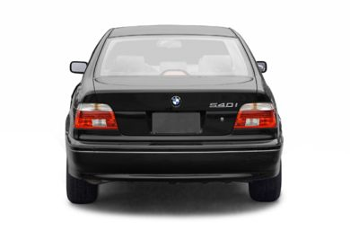 Rear Profile  2003 BMW 540