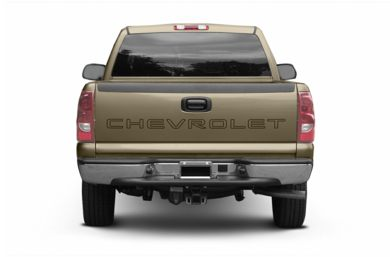 Rear Profile  2004 Chevrolet Silverado 2500