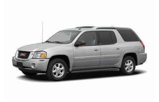 3/4 Front Glamour 2004 GMC Envoy XUV