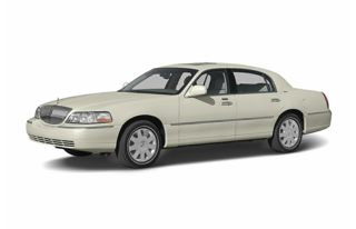3/4 Front Glamour 2004 Lincoln Town Car