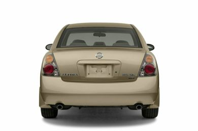 Rear Profile  2004 Nissan Altima