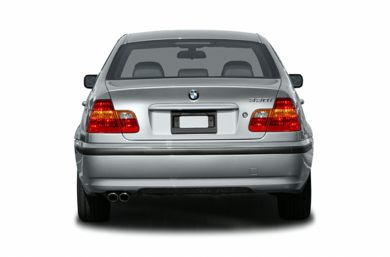 Rear Profile  2005 BMW 325