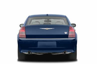 Rear Profile  2005 Chrysler 300C