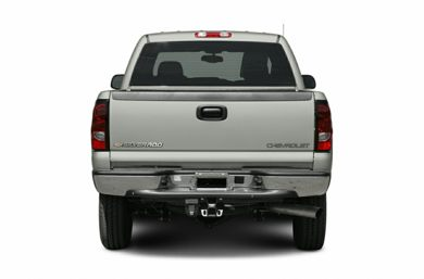 Rear Profile  2005 Chevrolet Silverado 3500