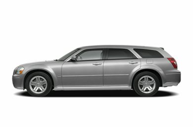 90 Degree Profile 2005 Dodge Magnum