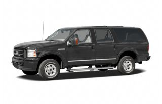 3/4 Front Glamour 2005 Ford Excursion