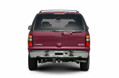 Rear Profile  2005 GMC Yukon