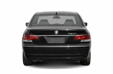 Rear Profile  2006 BMW 750