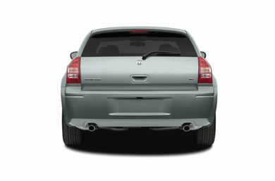 Rear Profile  2006 Dodge Magnum