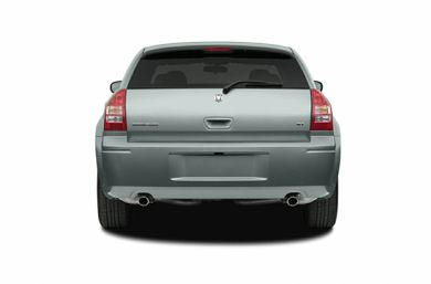 Rear Profile  2007 Dodge Magnum
