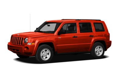 3/4 Front Glamour 2009 Jeep Patriot