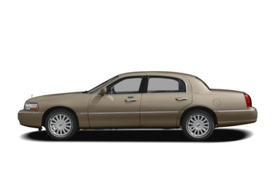 90 Degree Profile 2009 Lincoln Town Car
