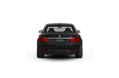 Surround Rear Profile 2010 BMW 750