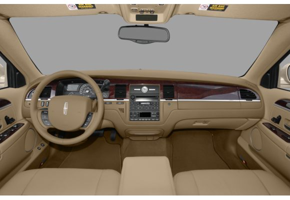 2010 lincoln town car pictures photos carsdirect. Black Bedroom Furniture Sets. Home Design Ideas