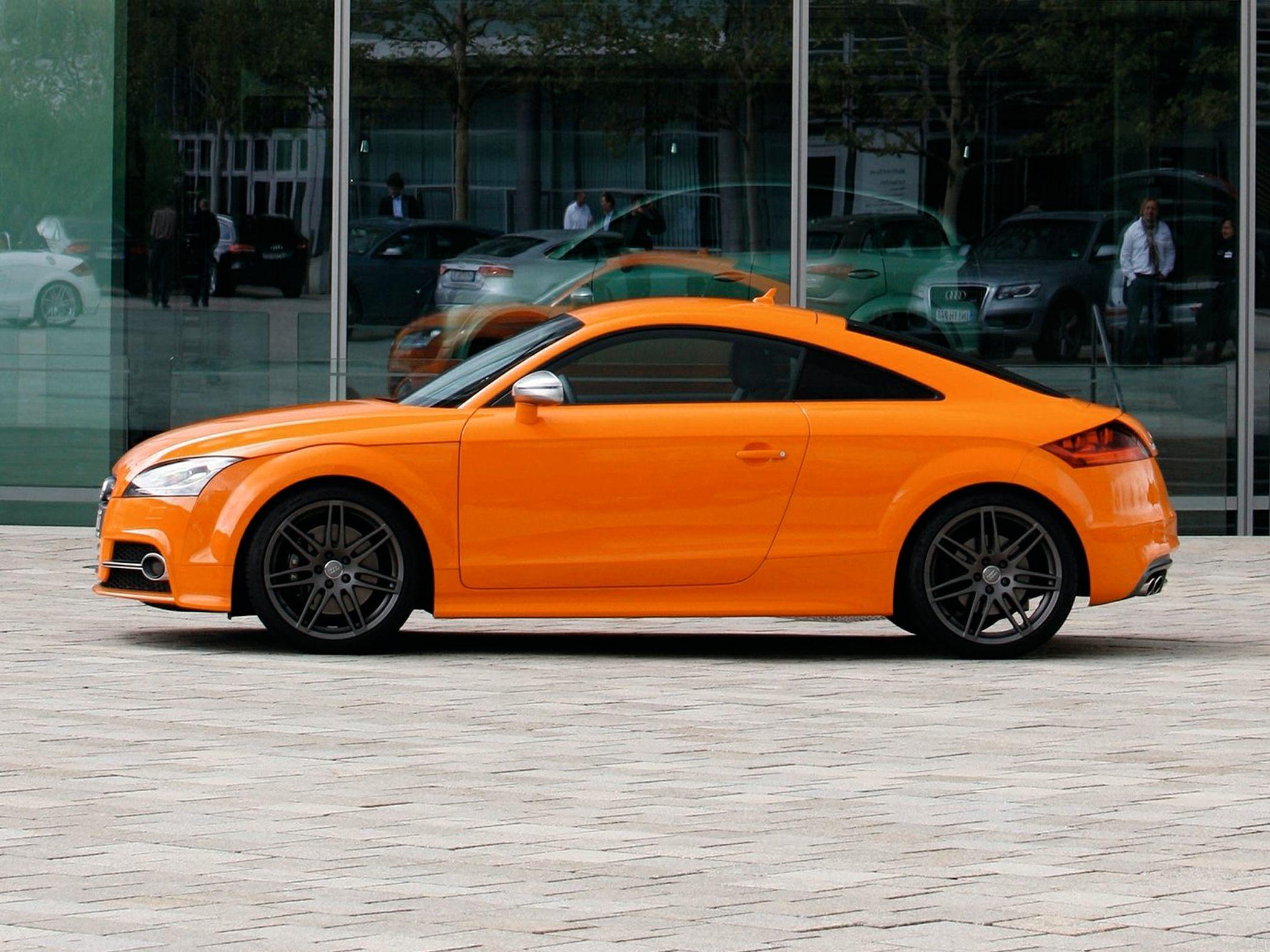 2015 Audi TTS Side