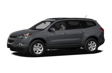 3/4 Front Glamour 2011 Chevrolet Traverse