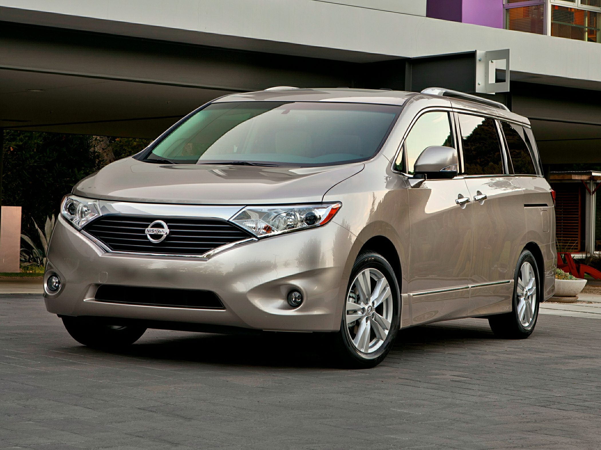 2014 Nissan Quest Glam
