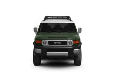 Surround Front Profile  2011 Toyota FJ Cruiser