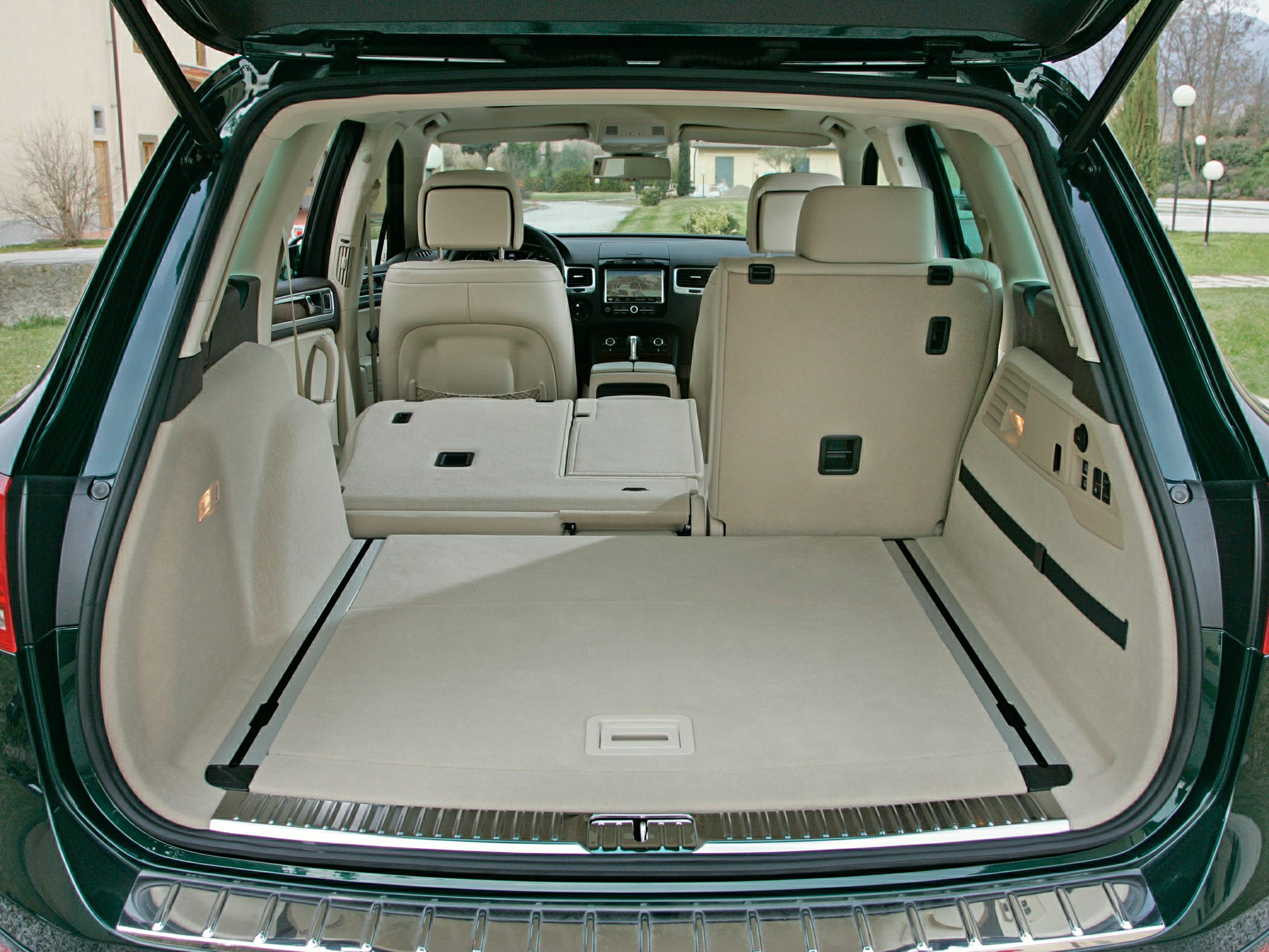 2014 Volkswagen Touareg Glam2