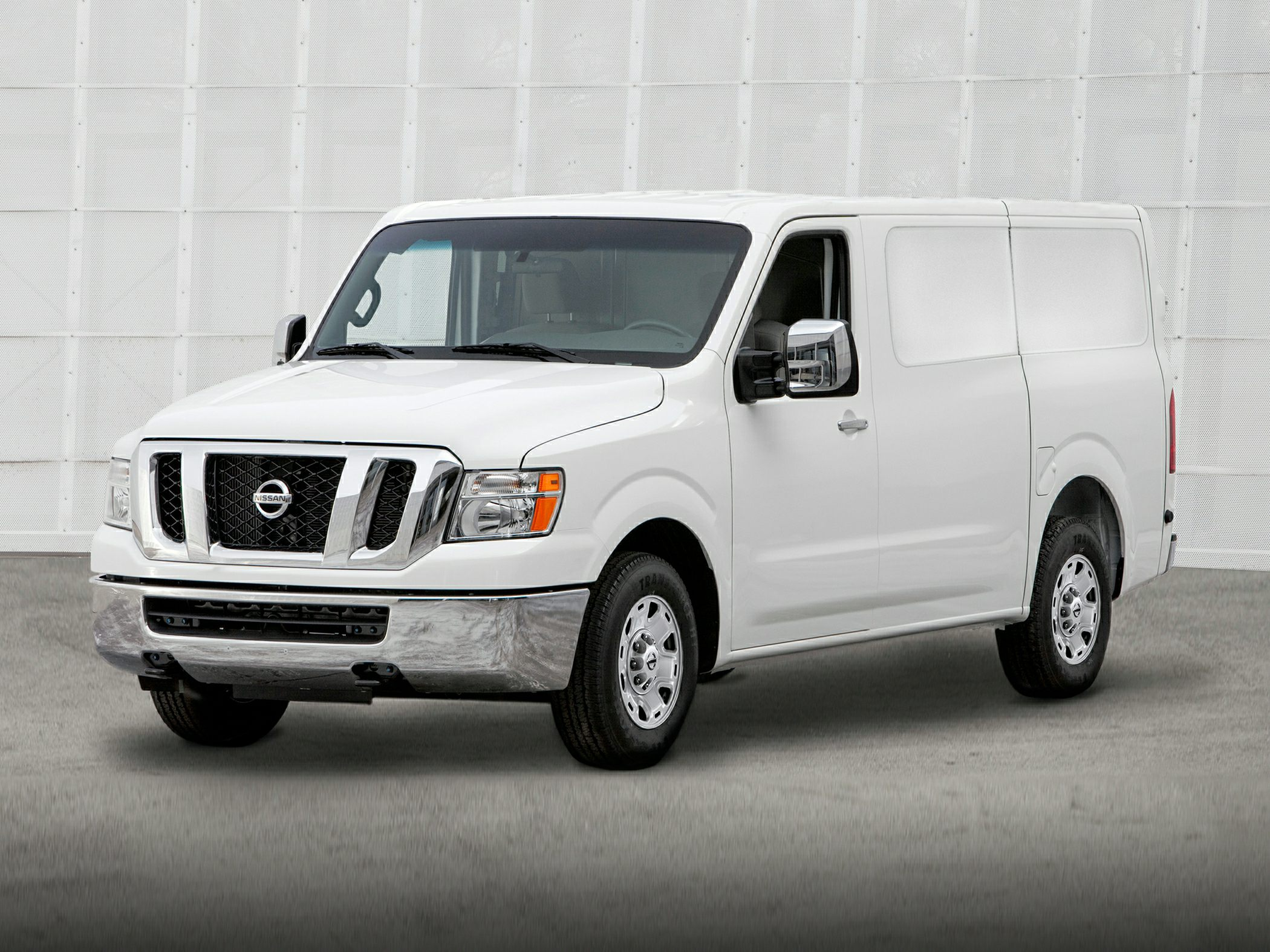 2014 Nissan NV Cargo NV2500 HD Glam2