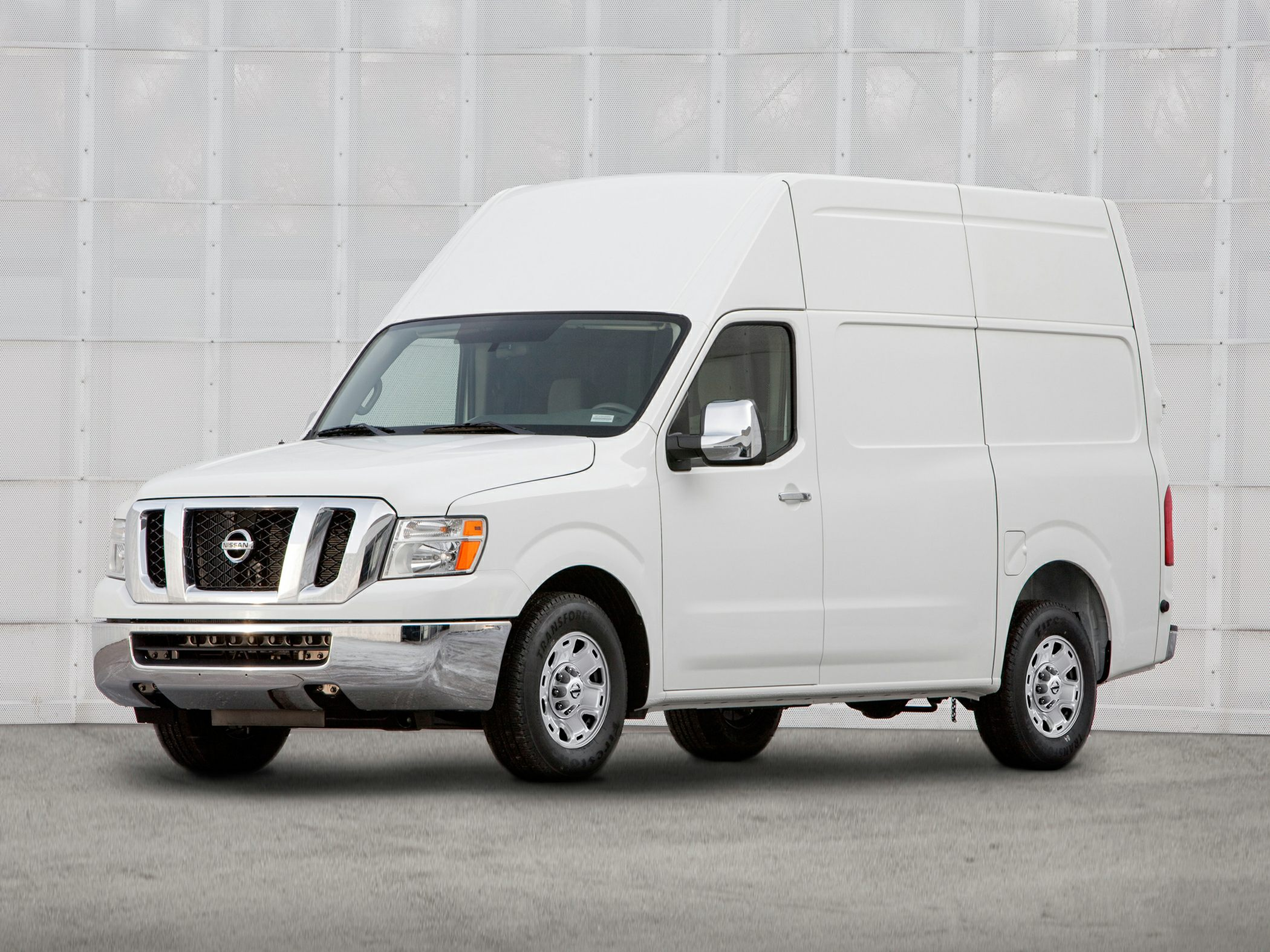 2014 Nissan NV Cargo NV2500 HD Glam