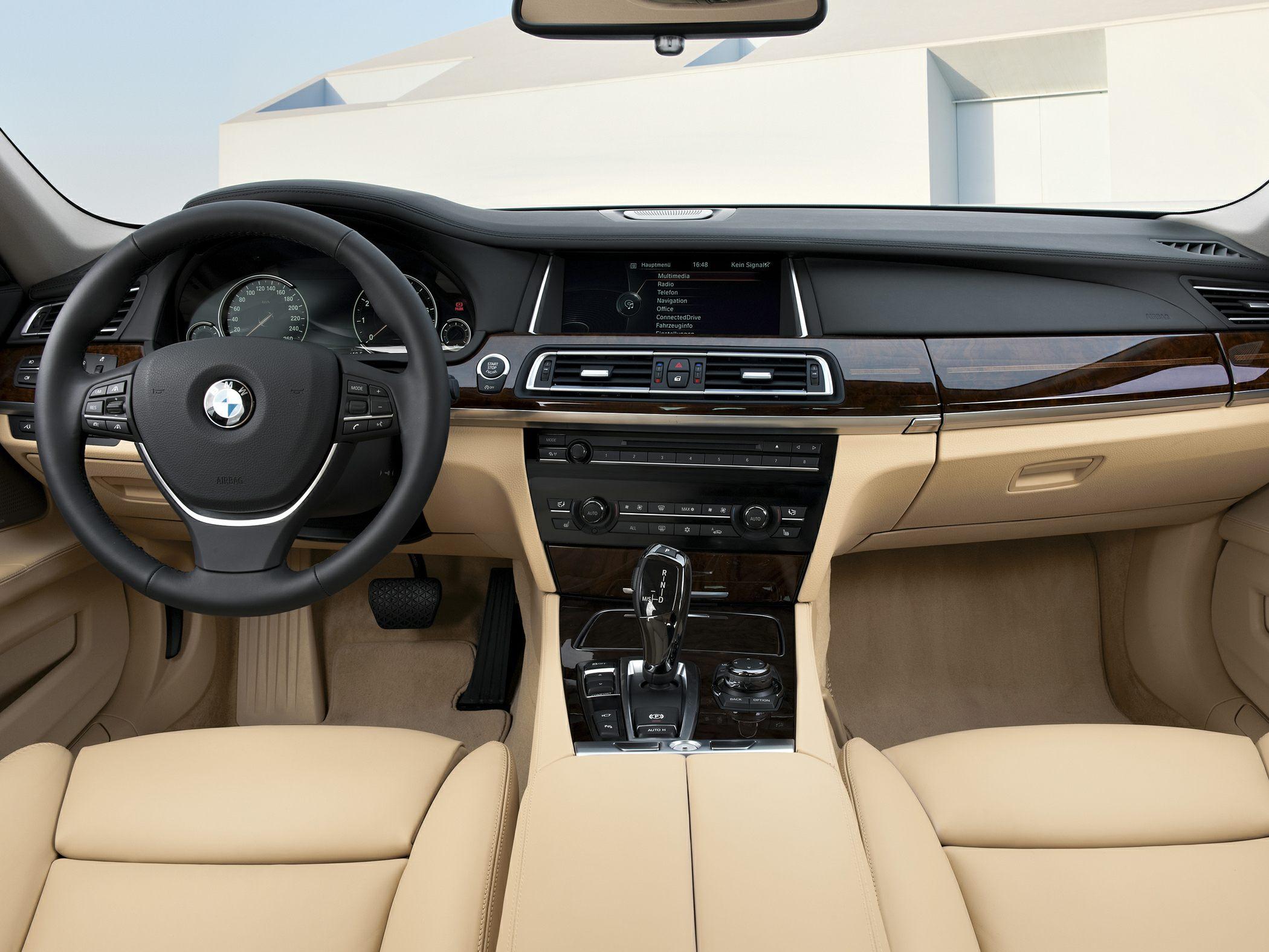 2014 BMW 740 Glamour