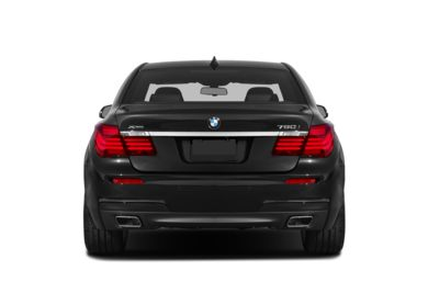 Rear Profile  2014 BMW 750