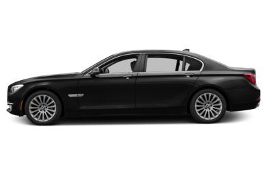 90 Degree Profile 2013 BMW 740