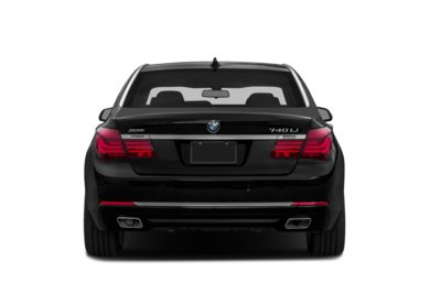 Rear Profile  2013 BMW 740